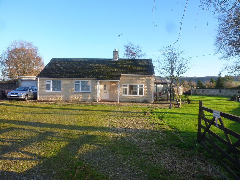3 Bedrooms Detached Bungalow for sale in Heywood, Westbury